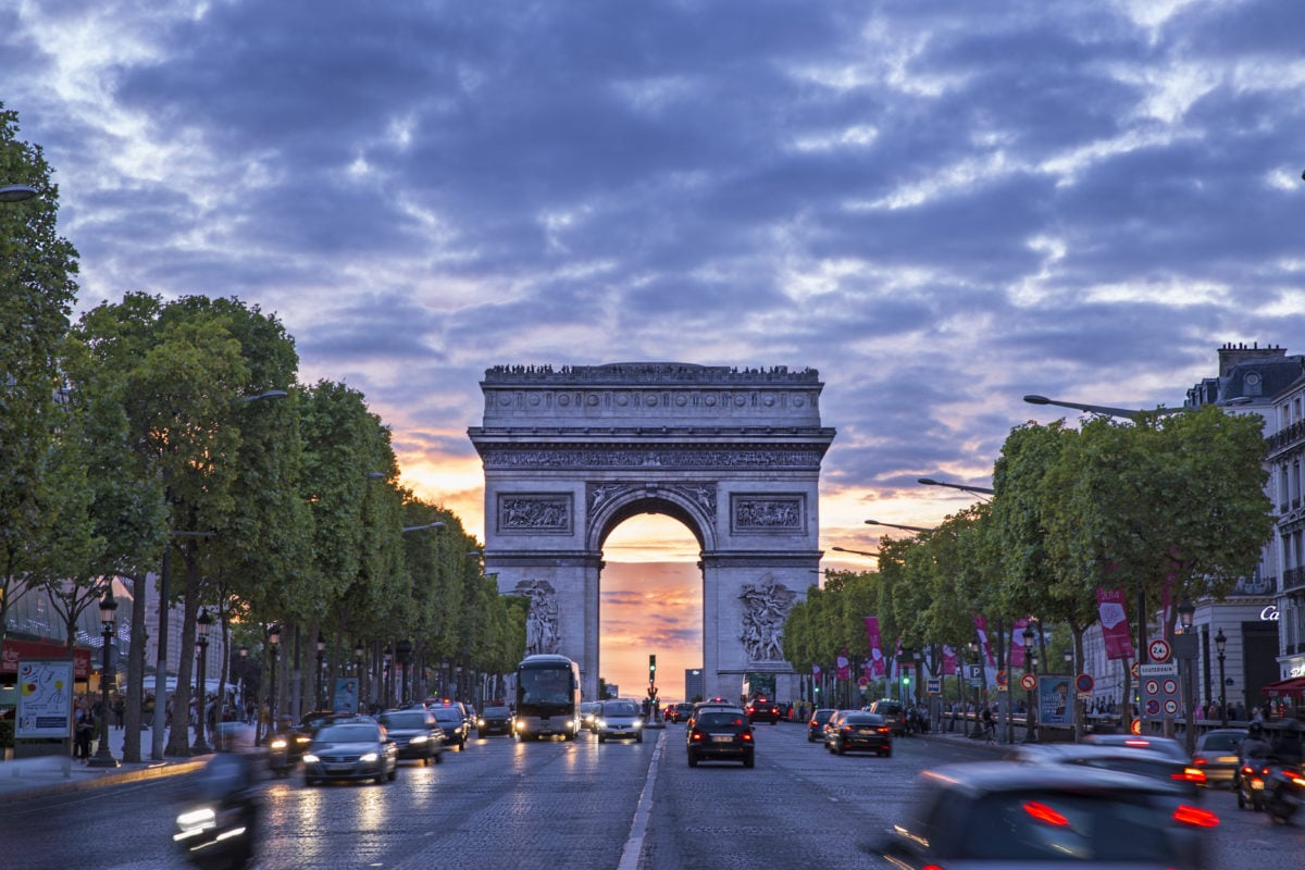 Les Champs Elysées retrouvent leur place d'artère commercante la plus chère d'Europe
